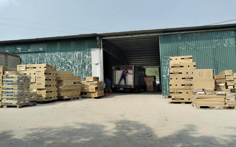 Nhiều loại hàng hóa được vận tải Bắc Việt nhận vận chuyển